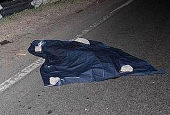 Yük maşını yol kənarında duran piyadanı vurub öldürdü