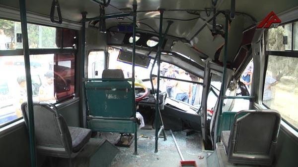 Bakıda iki sərnişin avtobusu toqquşub, yaralananlar var